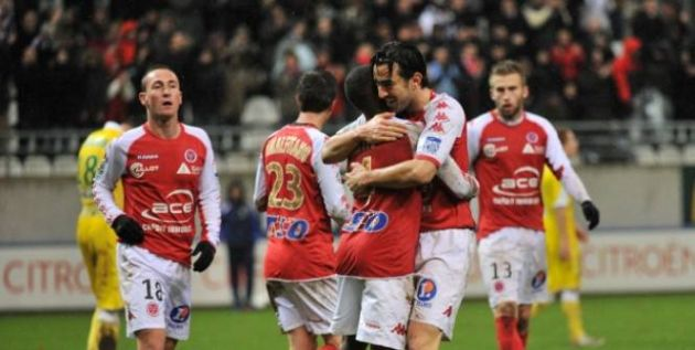 http://frenchfootballweekly.com/wp-content/uploads/2012/04/ReimsClermont.jpg